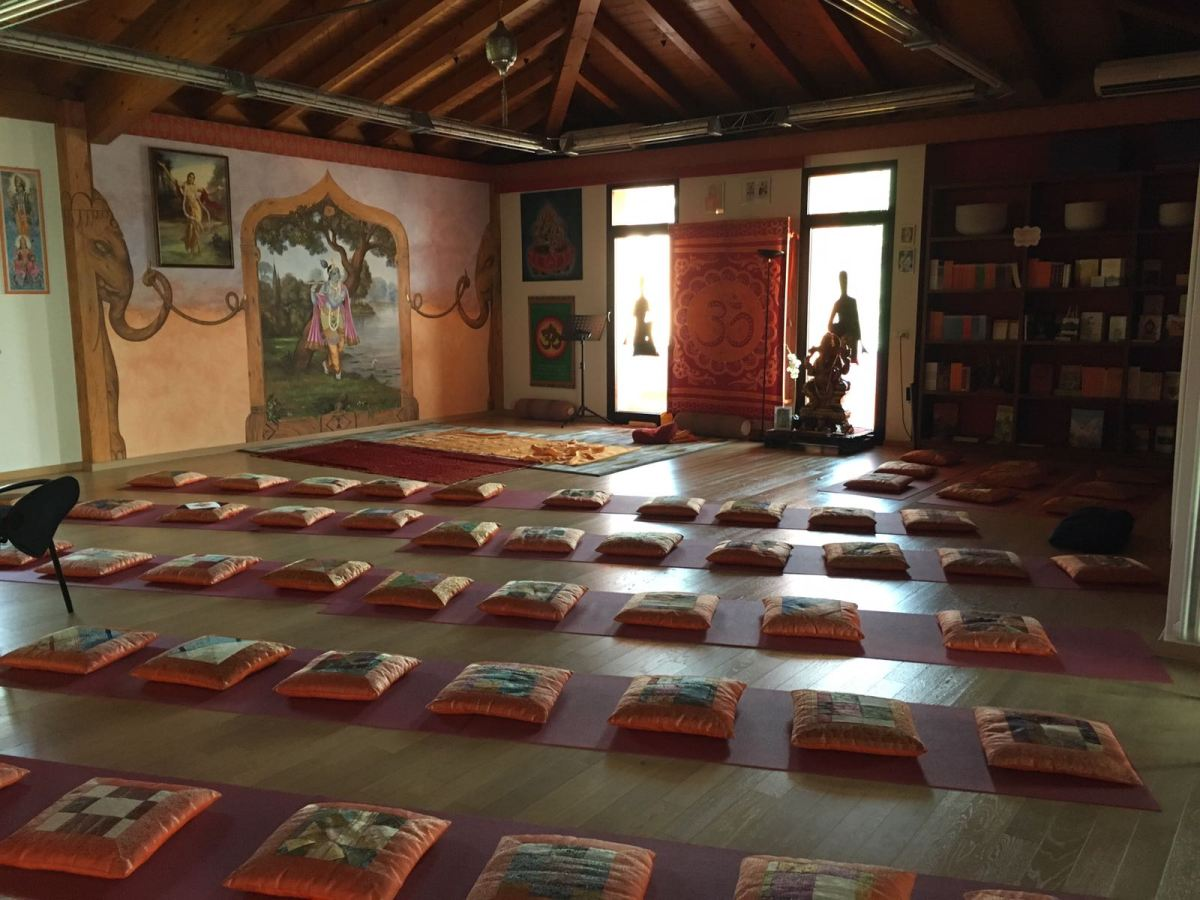 Guru Purnima. Il Maha Mantra contemporaneo al Darshan di ToscolanoMaderno